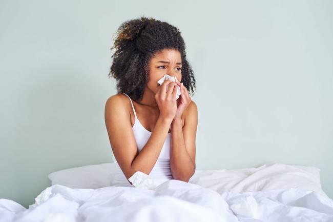 Comment mieux dormir pendant la saison des allergies